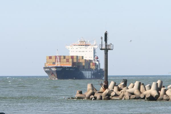 Švaresnis laivų kuras Baltijos jūroje gali atimti dalį krovinių