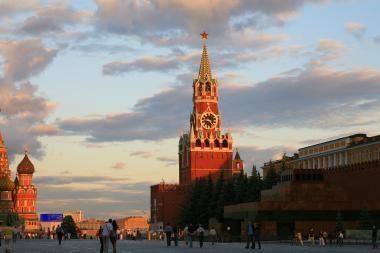"""Apklausa: rusai, kaip ir anksčiau, laiko JAV """"agresore"""