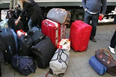 Iš oro uosto lėktuvai nekyla, kauniečiai namo grįžta autobusais ir traukiniais (papildyta)