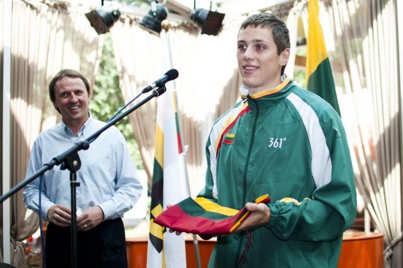 Į Universiadą išvykdami studentai pažadėjo medalių