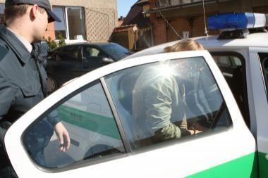 Neblaivūs vairuotojai priešinosi pareigūnams