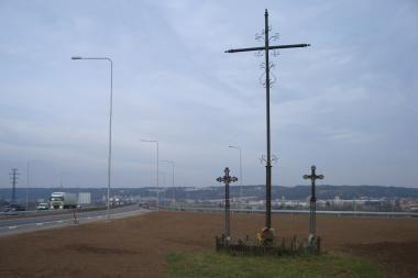 Kryžiai – ne žuvusiems eismo dalyviams