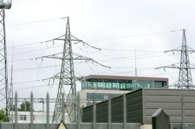 Komisija atidėjo elektros energijos kainų svarstymą