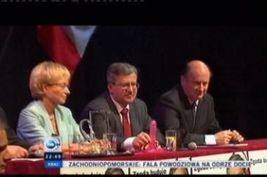 Kandidatą į Lenkijos prezidento postą emigrantai pasitiko dirbtiniu peniu