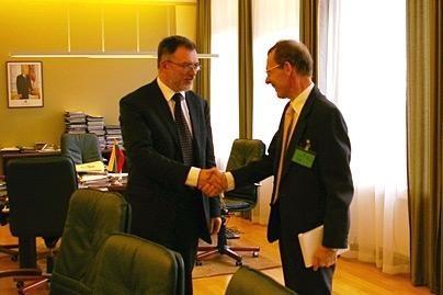 Darbą pradeda naujasis JK ambasadorius