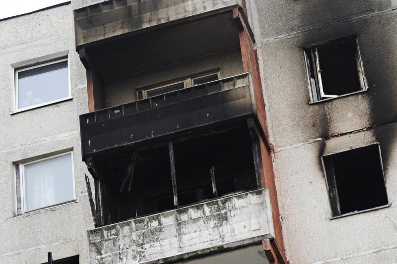 Pragariška naktis Kaune: iš degančio buto žmonės šoko per langą