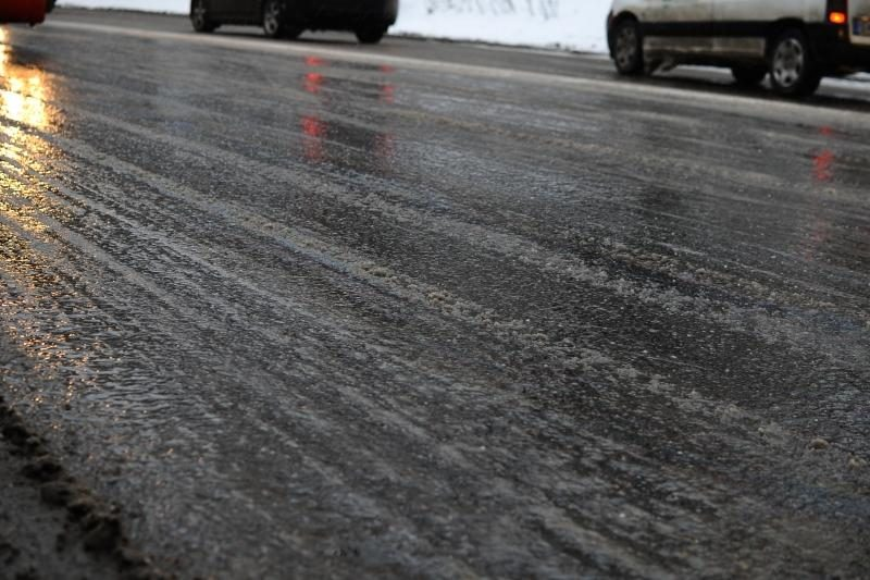 Panevėžio rajone žuvo automobilio partrenktas jaunuolis