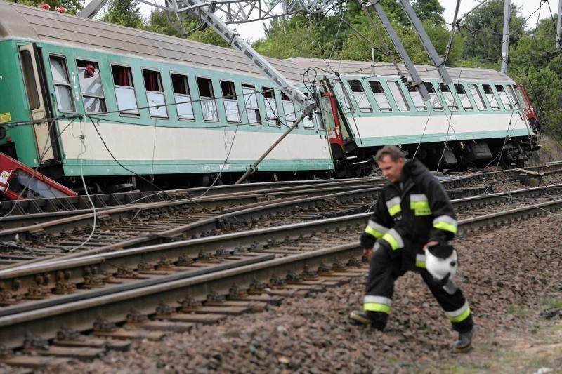 Varšuvoje susidūrė du traukiniai, aukų nėra