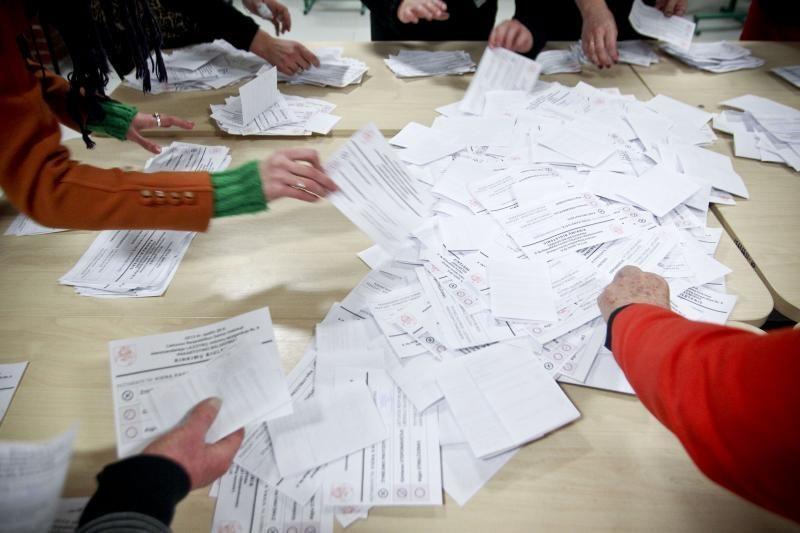 Renkant tris seimūnus savo valią jau pareiškė beveik 2 tūkst. rinkėjų