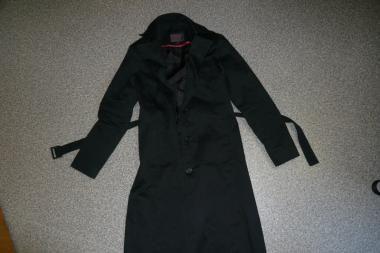 Policija ieško naujametę naktį pavogto palto savininko