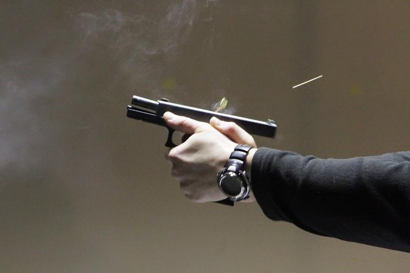 Į vilnietės butą vyrai brovėsi šaudydami