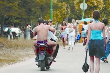 Teisė vairuoti mopedą ir lengvąjį keturratį motociklą – nuo 15 metų