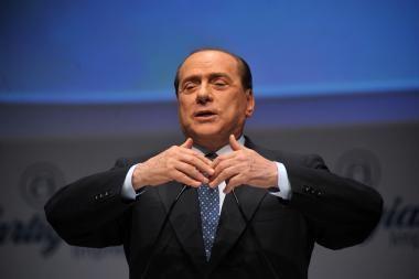 S.Berlusconi laimėjo lemiamą balsavimą dėl pasitikėjimo vyriausybe
