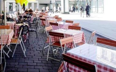 Rudenėjančiame Vilniuje užsidaro lauko kavinės