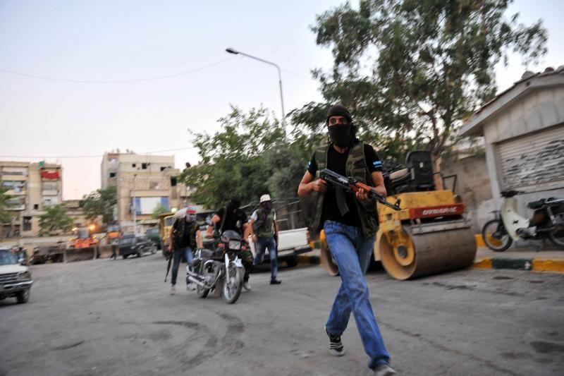 Sirijos armija per susirėmimus su sukilėliais neteko 87 karių