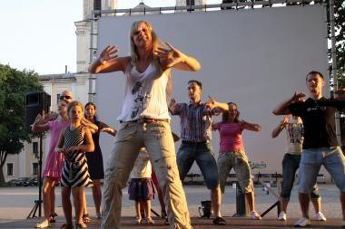 Rotušės aikštėje – aistros šokių pamokos