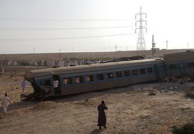 Egipte per traukinio avariją žuvo 40 žmonių