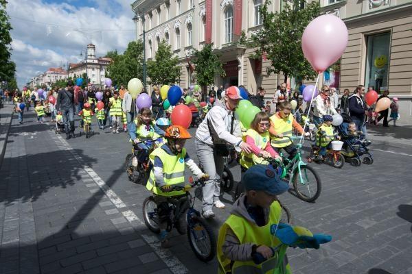 Vilniuje atsiras nemokamų dviračių stovėjimo aikštelių
