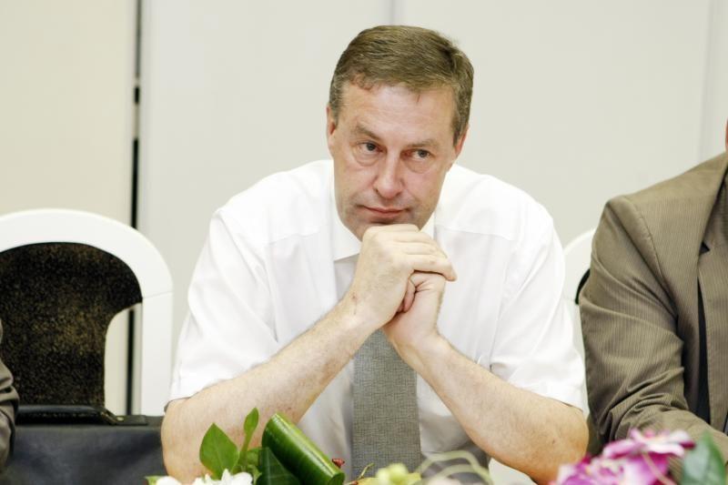 A.Burkšas išmestas iš pirmininko kėdės
