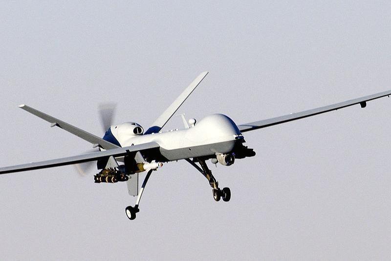 Filipinų vandenyse rastas sudužęs JAV bepilotis lėktuvas