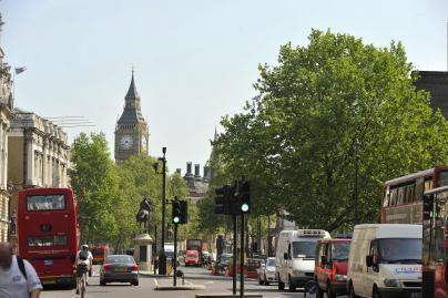 Automobilių stovėjimo vietos brangiausios Londone
