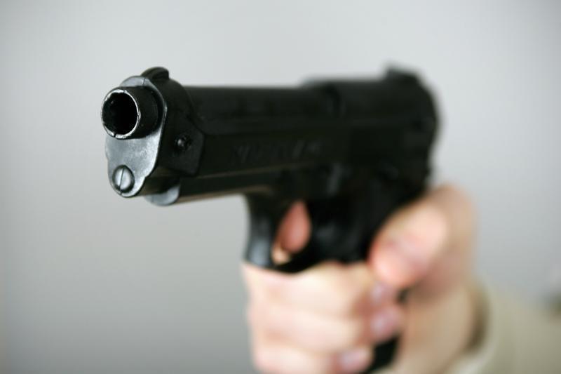 Sostinėje apšaudytas jaunuolis ir sumuštas nepilnametis