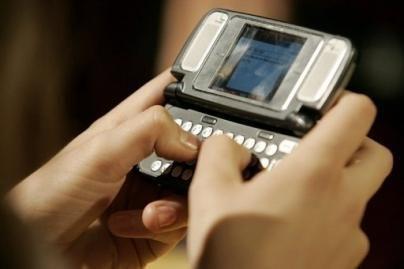 SMS žinutes greičiausiai rašo 17-metė švedė