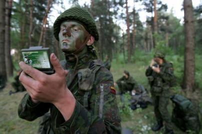 NATO pareigūnas: Lietuvos išlaidos gynybai nepakankamos