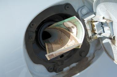 Vilniuje sulaikyti benzino vagyste įtariami vyrai