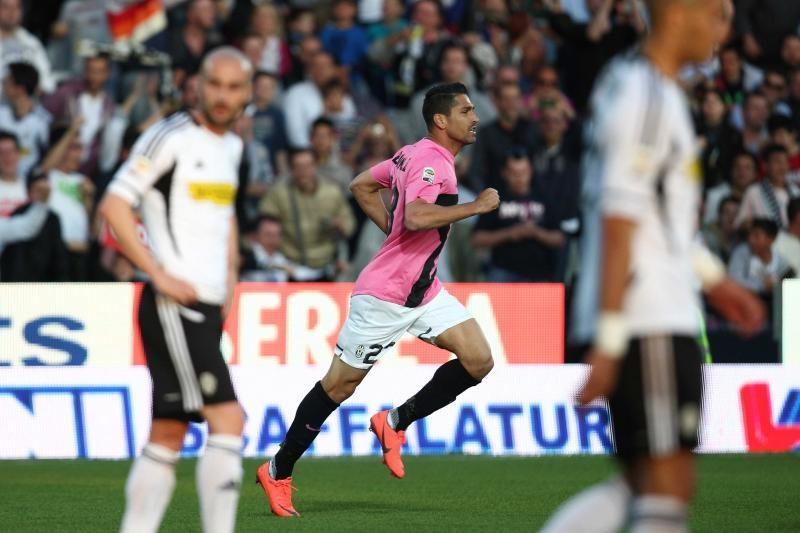 """Italijoje """"Juventus"""" vos įveikė autsaiderius"""