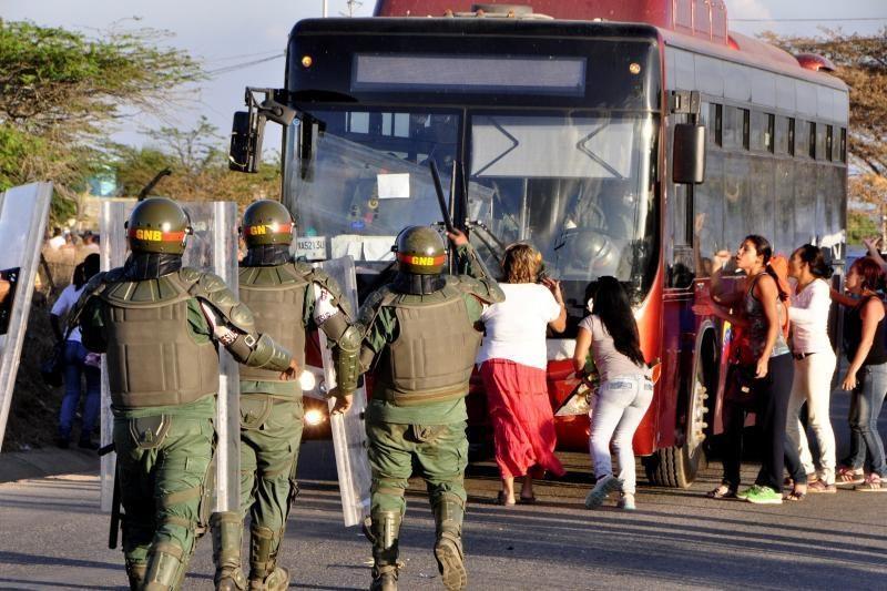 Venesueloje per riaušes kalėjime žuvo bent 50 žmonių