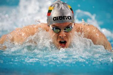 V.Janušaitis tęs kovą dėl plaukimo pirmenybių medalio pusfinalyje