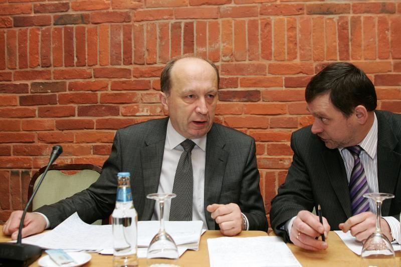 Konservatoriai renka pirmininką: varžosi A. Kubilius ir V. Landsbergis