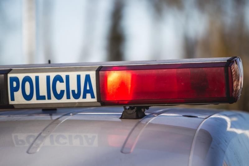 Policija: atleistas pareigūnas turėtų grąžinti investicijas į jį