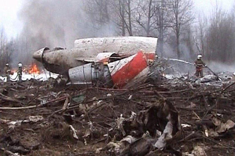 Lenkijoje – protestas dėl L.Kaczynskio lėktuvo katastrofos tyrimo