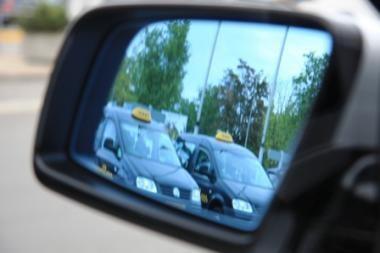 Vilniaus oro uoste galės dirbti iki 9 taksi įmonių