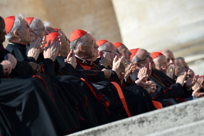 Pasaulis laukia istorinių popiežiaus rinkimų
