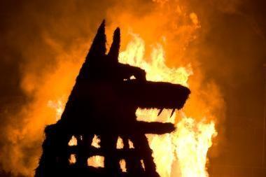 Sostinėje riaumojo ugniniai vilkai