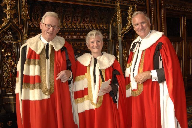 D.Britanijos Lordų Rūmams patariama įsivesti viešus rinkimus