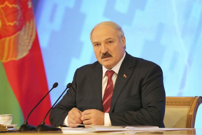"""Baltarusijos lyderis metiniame pranešime žada """"didžiulį"""" šuolį pirmyn"""