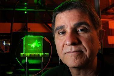 Naujosios hologramos vaizdą perkels beveik 360 laipsnių
