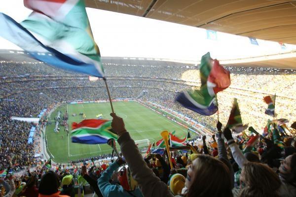 2018 m. pasaulio futbolo čempionatas vyks Rusijoje, o 2022 m. – Katare?