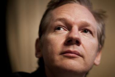 Assange'as toliau lieka kalėjime, nes Švedija apskųs teismo nutartį