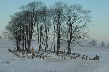 Slengių kapinaitėse laikinai nebeleidžiama laidoti