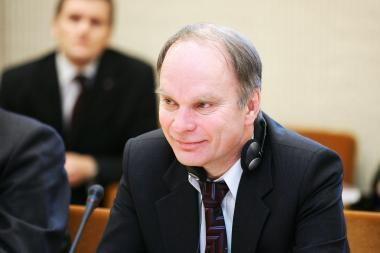 Č.Laurinavičius: apribojimai KGB agentams verčia juos sieti su A.Brazausko mirtimi