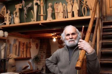 """Skulptorius L.Strioga: """"Svarbiausia - būti žmogumi"""""""