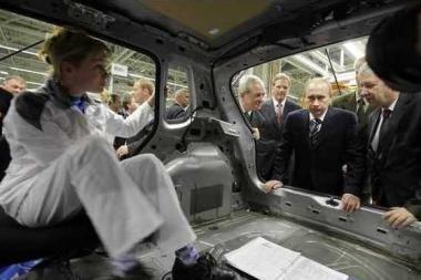 V.Putinui slapta buvo parodytas naujas VW