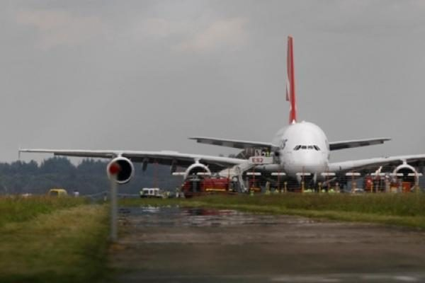 Amsterdamo Schipholio oro uoste du lėktuvai atliko avarinį nusileidimą