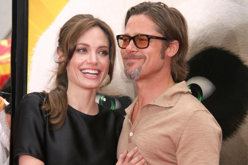 J.Roberts žada pabūti B.Pitto ir A.Jolie vaikų aukle