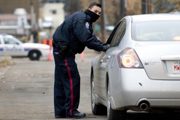 Kanadoje 11 įkaitų pagrobęs užpuolikas pasidavė policijai